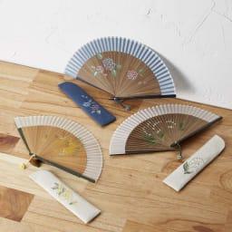 [レディース]白竹堂 ペンテミニ扇子 木箱入り 上から、(ア)紫陽花、(ウ)ミモザ、(イ)すずらん