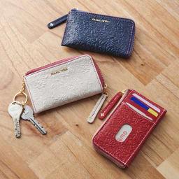 フラワーレザー キー&パスケース キーケス・カードケースとして使える便利アイテム。小銭入れにもなるのでミニ財布としても。