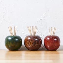 山中漆器 りんごっこ 楊枝入れ 左から(イ)青 (ウ)茶 (ア)赤
