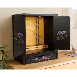 漆器ミニ仏壇 鉄仙 大&置き台 扉を開くと可憐な鉄仙の花が現れます。