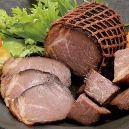 トンデンファーム 炭火焼 焼牛と焼豚セット 【盛り付け例】焼牛