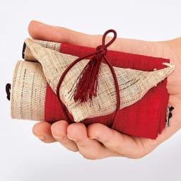 〈京都洛柿庵〉節句飾り細タペストリー 春の花 ※2点以上5%オフ コンパクトな収納も魅力! くるくる巻いてコンパクトに収納できます。