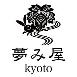 〈京都夢み屋〉ちりめん雄々鯉のぼり 【京都 夢み屋】モダンなテイストの和雑貨で国内外で人気。ニューヨークにもショップを持つ。