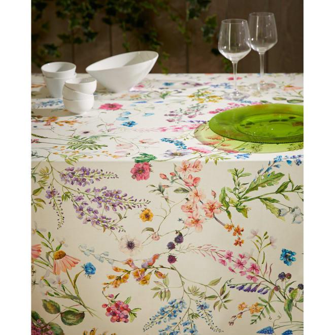 スペイン製花柄テーブルクロス 約150×200cm コーディネート例(イ)フォルトゥナ