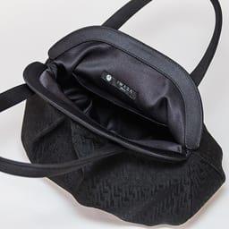 〈岩佐〉米沢織ソフトハンドバッグ (※内生地のタグの位置は変わることがございます。)