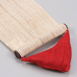 〈京都洛柿庵〉節句飾り細タペストリー 端午の節句 かわいい三角の重りで生地がピンときれいに張った状態に。
