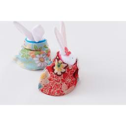 〈京都 夢み屋〉ちりめんひな飾り 兎雛単品 後ろ姿もとっても華やか。