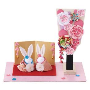 〈京都 夢み屋〉ちりめんひな飾り 兎雛羽子板セット 写真