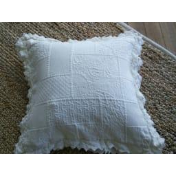 レイチェル クッションカバー1枚 45×45cm用 表面:ふくれ織りでパッチワークを表現しています。