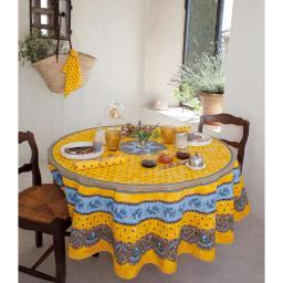 フランス製 撥水加工テーブルクロス〈バスティーユ〉 円形・直径約180cm コーディネート例 (イ)イエロー