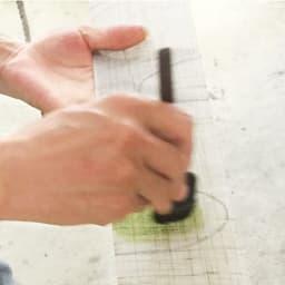 〈京都洛柿庵〉細タペストリー 秋 ※2点以上5%オフ 【京都洛柿庵】卓越した職人の技法で、色彩豊かに染め上げる。洗練されたモダンなデザインの作品を、次々と生み出す工房。