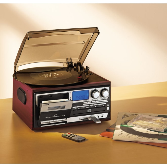 レコード・CD・ラジオ・カセット 新マルチオーディオプレーヤー あらゆる機能がこの1台で!コンパクトなボディで、さまざまな場所に設置できます。