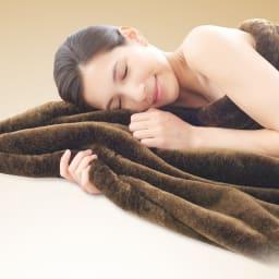 イタリアンデザイン×日本の職人技から生まれた上品さと感動の肌ざわり【カルドニード(R)エリート】敷き毛布 洗濯しても風合いなめらか。しっかりとしたパイルで高品質な素材を使っているので、洗濯後もなめらかで柔らかな風合い。艶やかな美しさが続き長くご愛用いただけます。※お届けは敷き毛布です。