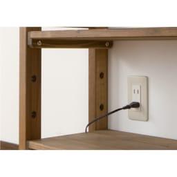 国産檜 頑丈突っ張りシェルフラック 薄型 奥行17cm 幅75cm 背板がないのでコンセントやスイッチが使えます。