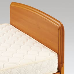フランスベッド BOX引き出し付ベッド マルチラススプリングマットレス(レギュラーマット)付き 柔らかな曲線と手触りもやさしい薄型のヘッドボード。