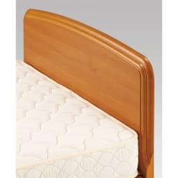 フランスベッド BOX引き出し付きベッド 羊毛綿入りマルチラススプリングマットレス付き 柔らかな曲線と手触りもやさしい薄型のヘッドボード。