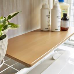 北欧テイストランドリーラック 棚3段 (イ)ナチュラル 収納棚は木目がうっすら見える上品なデザインです。