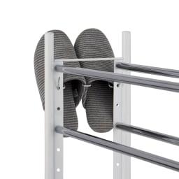 玄関に合わせてぴったり。段差対応の幅・高さ伸縮シューズラック(6段ワイドタイプ)