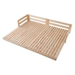 並べてもずれにくいサイドガード付きひのきすのこベッド ※写真はセミダブルを2台連結して使用しています。