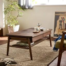 棚付き天然木テーブル モダンな男前インテリアにもぴったり。