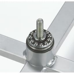 耐荷重50kg ダブル掛け回転ハンガーラック なめらかに回転させるために、ベアリングを採用しています。