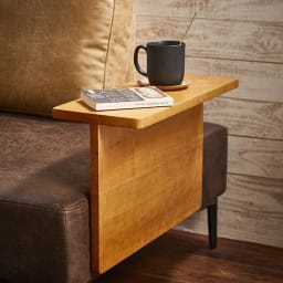 Turkut/トゥルク サイドテーブル付きソファベッド サイドテーブルはちょっとした物置きに使用できます。
