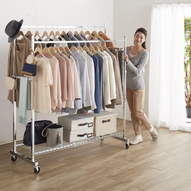 プロ仕様 頑丈ハンガーラック「リモニ」 ダブルタイプ・幅150cm クローゼットに入りきらない洋服もすっきり収納できます。(写真はダブルタイプ・幅150cm)