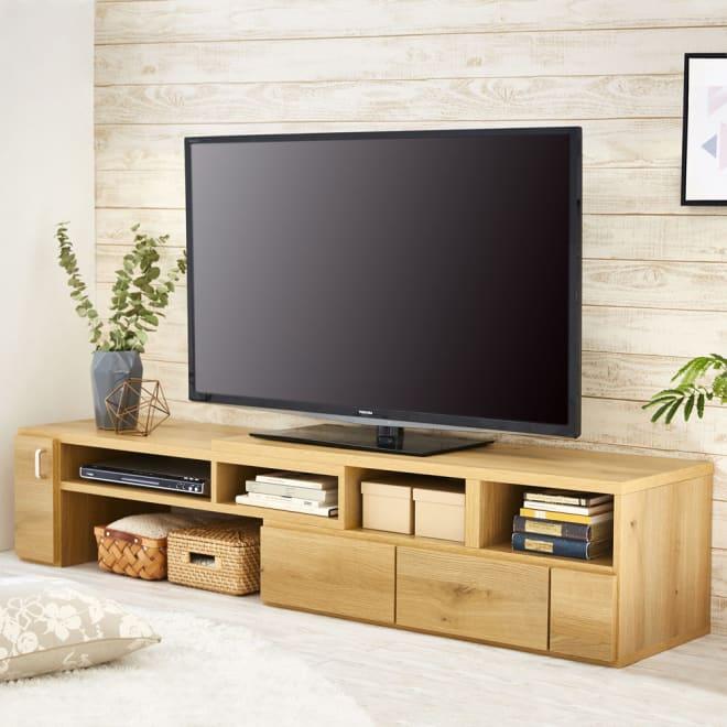 伸縮式スイングテレビ台 110~198cmの間で幅が自由自在に調整できます。