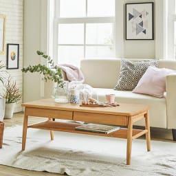 棚付き天然木テーブル リラックス感あふれる、北欧のナチュラルスタイルのインテリアが実現できます。