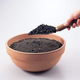 ネコ除け炭(1袋) 土壌改良剤としても。