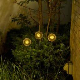 ソーラースティック ガーベラ 3色セット イエロー(点灯時)