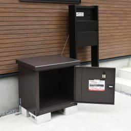宅配BOX 1BOX P-BOX ピーボ 扉内部に、宅配業者への説明書がついています。