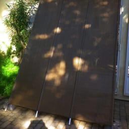 サマーオーニング洋風たてす 高さ240cm 「たてすタイプ」は伝統的な和の日よけをモダンにアレンジ。