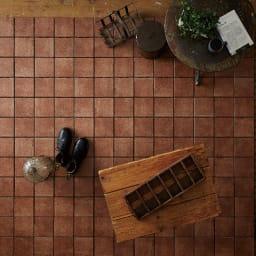 TOTO汚れにくいベランダマット30cm×30cm(15cm角タイル) 同色10枚組 (ウ)ベイクアンバー 使用例