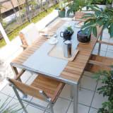 ライズ ダイニングテーブル 写真