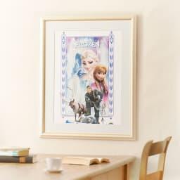 アナと雪の女王 プレミアムアートフレーム(マット付き)縦80×横64.5cm 作品名「An Enchanted Winter」 大きさイメージ お気に入りの映画がアートに!いつでもアナ雪を感じられる本格アートフレームです。お部屋のインテリアにもマッチします。
