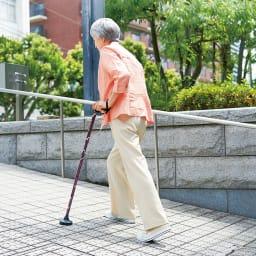 握りやすい4ポイントステッキ 婦人用杖 坂道などの傾斜に