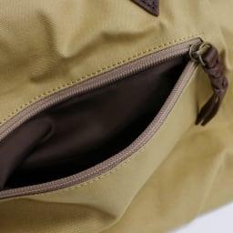 わちふぃーるど/ふりむきトート 背面ポケット