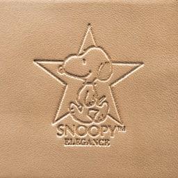 【WEB】SNOOPY(スヌーピー)/スヌーピーゴールドスター牛革ヌバックの長財布|PEANUTS ふっくらと型押しされたスヌーピーのエンボス