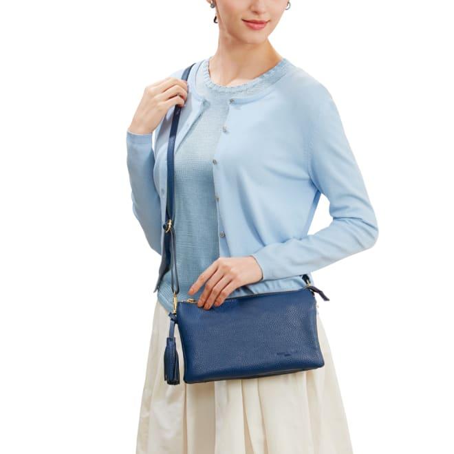 ピッコロ・マリーノ お財布ポシェット ななめ掛けがきれいに見えるベストなサイズ感