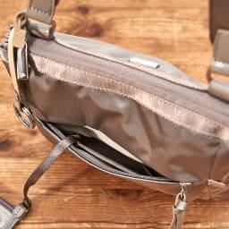 ace.(エース)/フロミニン ポーチ付き 薄マチショルダーバッグ