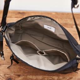 ace.(エース)/フロミニン ポーチ付き ショルダーバッグ(小サイズ) ファスナーポケット×1、オープンポケット×2