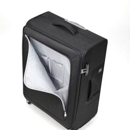 ace. ロックペイントSS ソフトキャリーバッグ 31L 2.3kg ペンや手帳、ガイドブックなど、様々なビジネスツールを分類・収納できるポケットが充実しています。