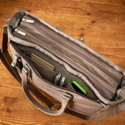 ace.GENE(エース ジーン)/ビエナ 2気室ビジネスバッグ 2気室仕様 センターファスナー/ペンホルダーや手帳のポケット
