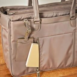 ace.GENE(エース ジーン)/ビエナ 2気室ビジネスバッグ 肩に掛けていても取り出し易い横開きポケット