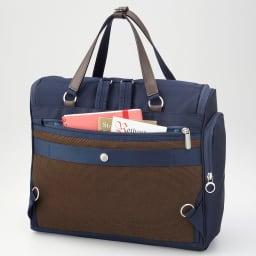 カナナプロジェクト A4横型2WAYアクティブリュック 貴重品の収納に便利な背面ポケット