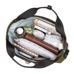カナナプロジェクト モノグラム 2WAYショルダーバッグ すっきりと、小物までを収納できるシンプルな1気室の内装