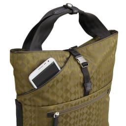 カナナプロジェクト モノグラム 2WAYリュック(小サイズ) 携帯電話などの小物を簡単に出し入れできるポケット