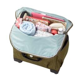 カナナモノグラム トローリー/キャリーバッグ19L 仕切りが無く、ボストンバッグのような柔らかな素材なので収納力があります。