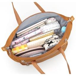 カナナプロジェクト/トートバッグ A4サイズ 内装(かさばる小物もすっきり収まるポケットが充実)(※商品番号:NV25-92の画像を使用しています)